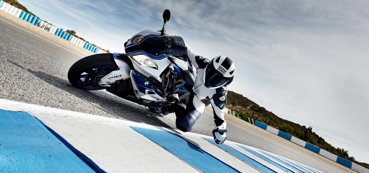 bmw_racing